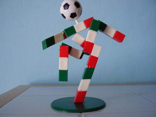 Qui Eugenio nel suo primo impiego, quello di mascotte di Italia 90